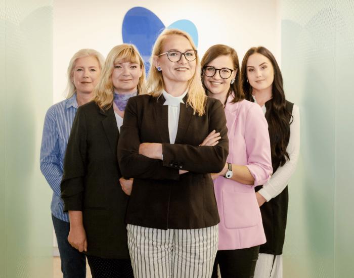 CV-Online recruitment services_our team